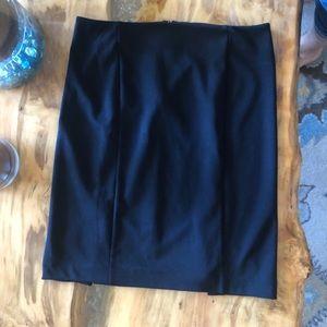 Ladies Black, knee-length Skirt